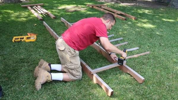 how to build a mini pergola arbor for a backyard wedding arch