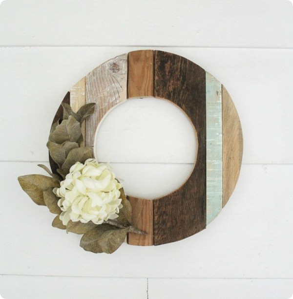Rustic Wood Wreath 3 Thumb