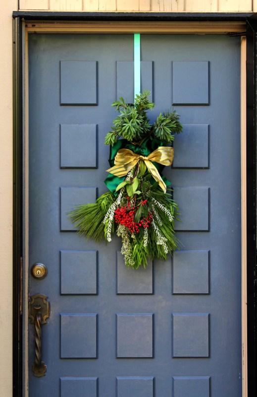 DIY Christmas Swag Apieceofrainbowblog Tutorial (15)