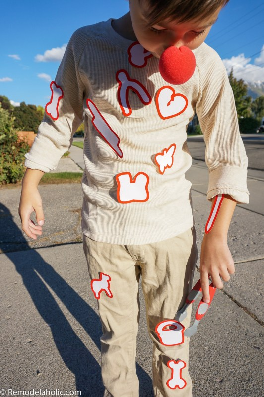 Easy Printable Last Minute Halloween Costumes @Remodelaholic (8)