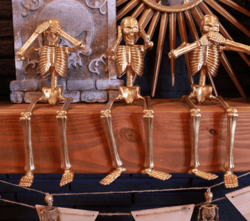 Cheap & Easy Halloween Decor: Dollar Store Gold Skeletons