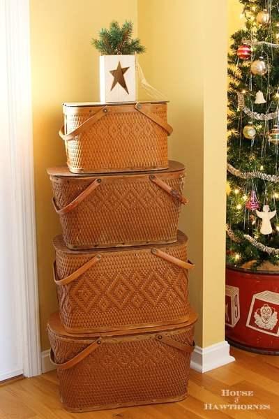 Picnic Basket Xmas Tree 377