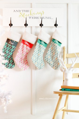Tutorial DIY Christmas Holiday Stocking Board