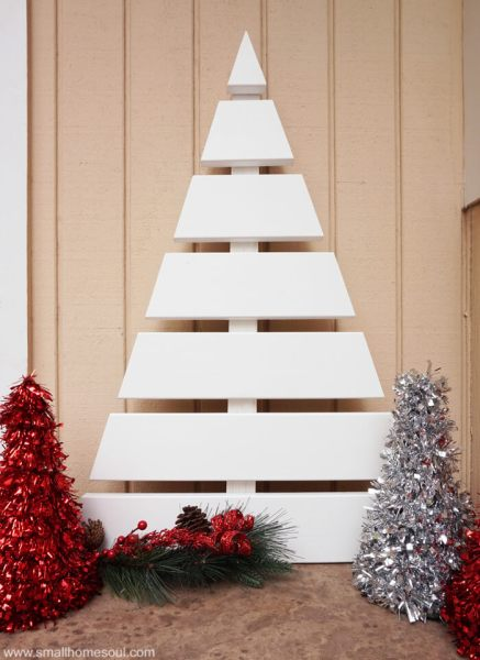 Wooden Christmas Tree Stage Www.smallhomesoul.com