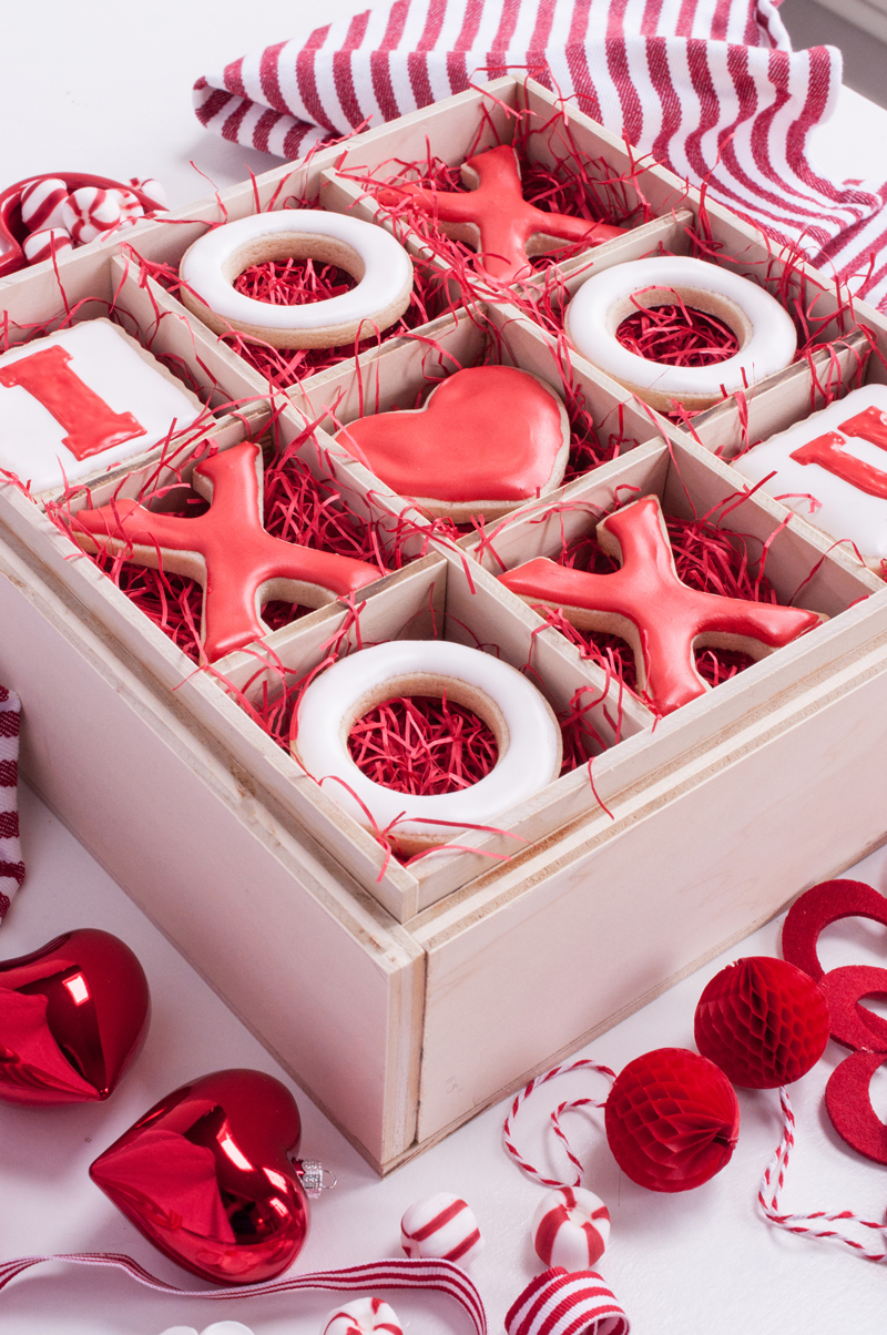 Remodelaholic   Build Your Own Treat Box with Interchangeable Inserts