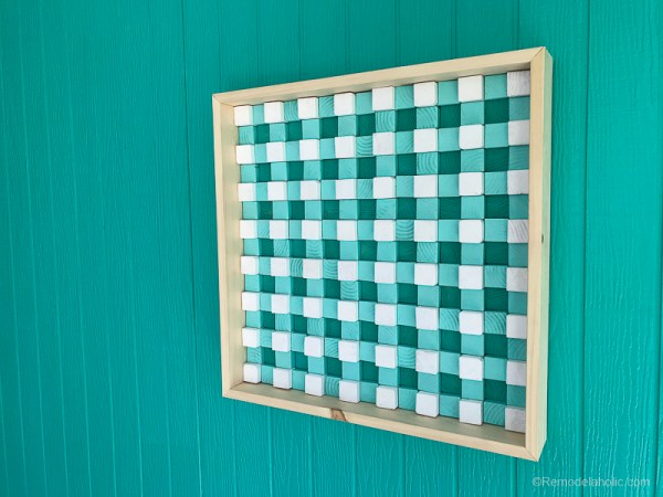 DIY Wood Wall Art for Patio (Remodelaholic)