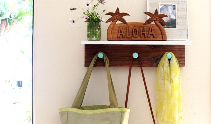 DIY Easy Wall Hanging Wood Shelf