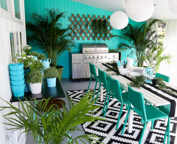 Outdoor Dining Room With IKEA Furniture @Remodelaholic 17