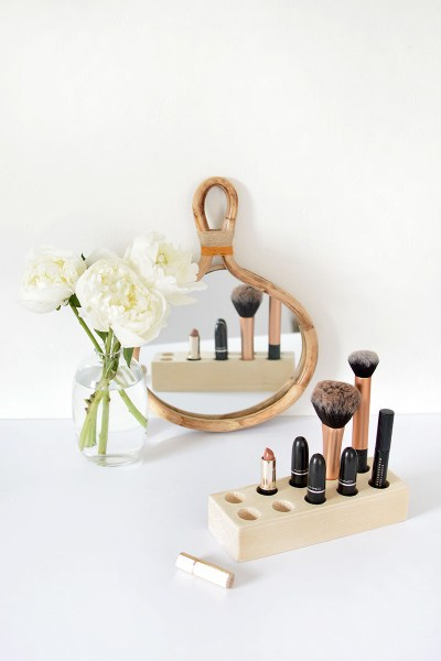 Make Up Brush Holder Diy