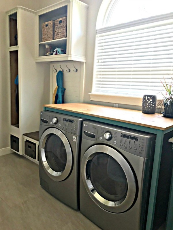 DIY Laundry Table Over Washer Dryer Plan 10
