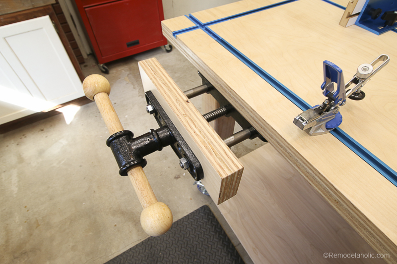 Built-in Bench Vise | DIY Router Table and Table Saw Workbench Building Plan #remodelaholic