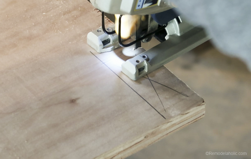 Table Saw Workbench @Remodelaholic 14