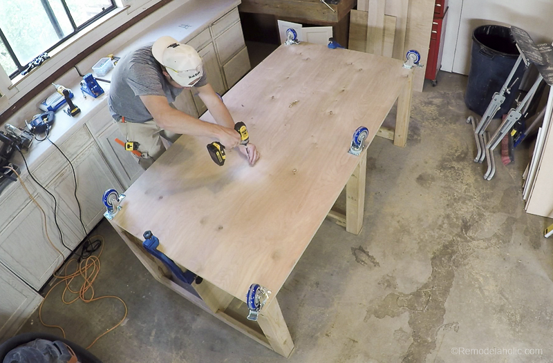 Table Saw Workbench @Remodelaholic 17