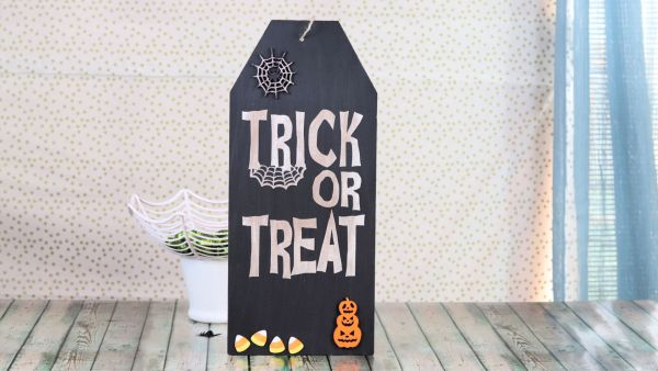 Creative Ramblings Halloween Sign