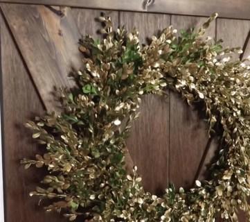 Diy Fresh Boxwood Wreath In Gold #remodelaholic