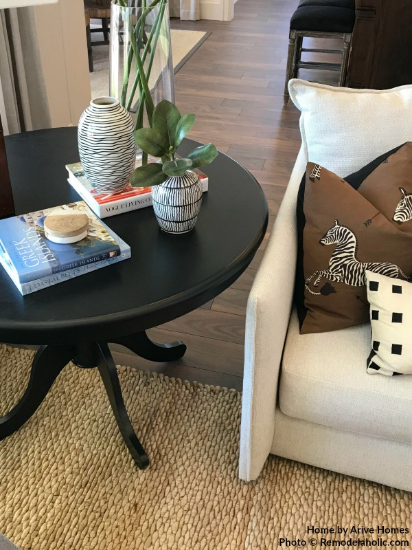 Black And White Decor For A Modern Clean Look In Living Room, Arive Homes And Brandalyn Dennis Design, 2018 Utah Valley Parade Of Homes, Featured On Remodelaholic