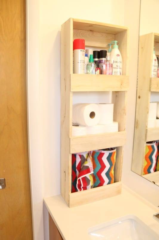 Easy To Build Rustic Wood Wall Bin For Bathroom Storage #remodelaholic