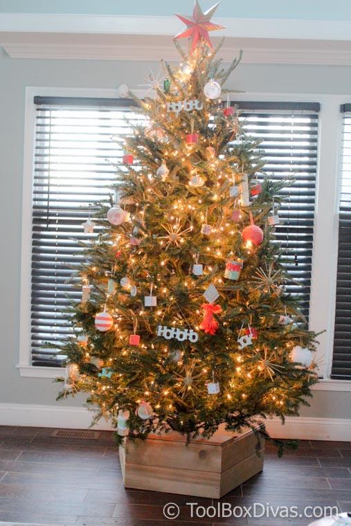 Timisha Toolbox Divas DIY Wooden Christmas Tree Skirt Toolbox Divas (3 Of 19)
