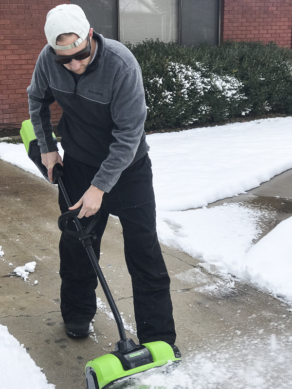 Cordless Electric Snow Shovel @Remodelaholic 3