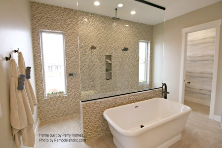 Bathroom Tile And Tub Perry Homes Utah, Inc (57).ed