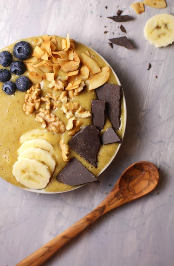 Easy Recipe For Banana Turmeric Smoothie Bowl Breakfast #remodelaholic