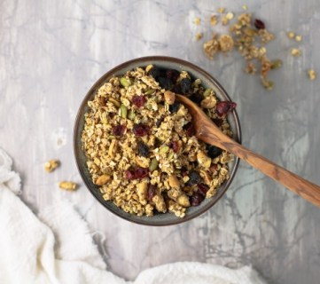 How To Make Homemade Granola Fall Harvest Chunky Granola Recipe #remodelaholic