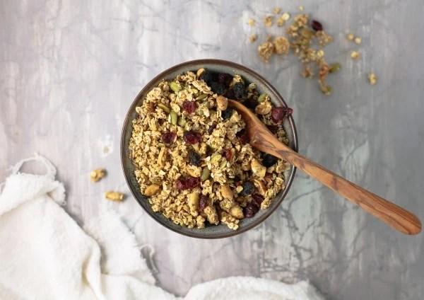 How To Make Homemade Granola Fall Harvest Chunky Granola Recipe #remodelaholic