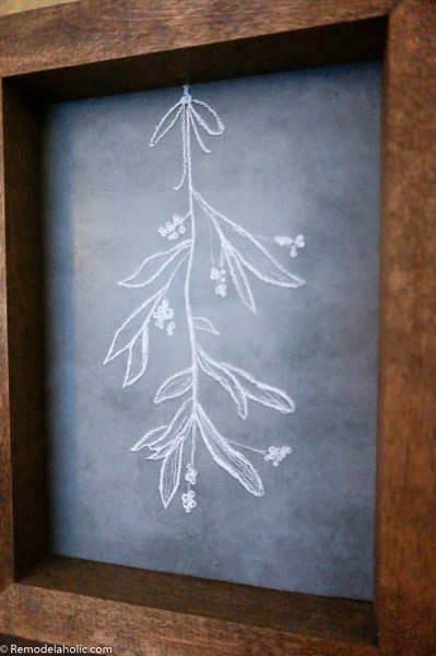 Christmas Printable Chalkboard Mistletoe Drawing #remodelaholic