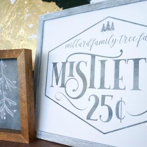 Custom Familiy Name Sign For Christmas, Mistletoe Family Tree Farm #remodelaholic