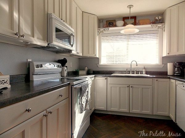 How To Paint Cabinet Doors Image Of White Cabinets In A Kitchen