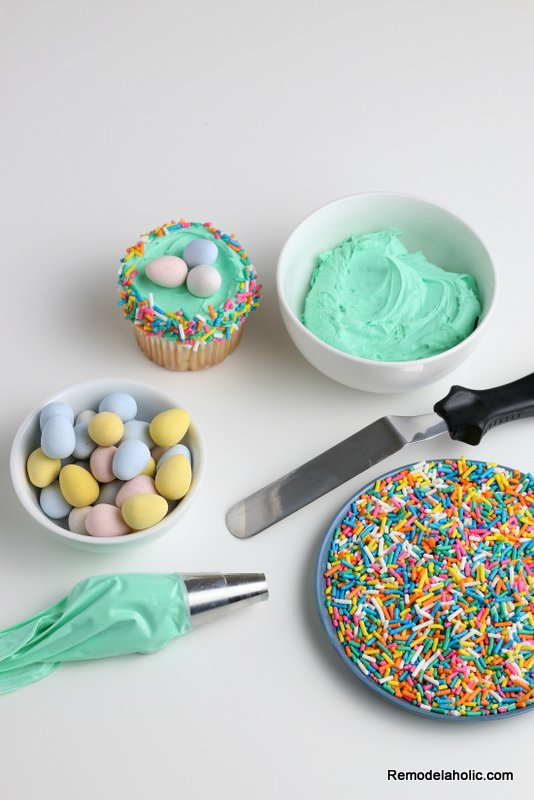 Easter Cupcakes: How to Decorate an Easter Egg Nest Cupcake