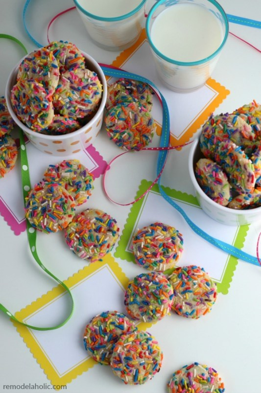 How To Make Homemade Funfetti Cookies With No Boxed Cake Mix #remodelaholic