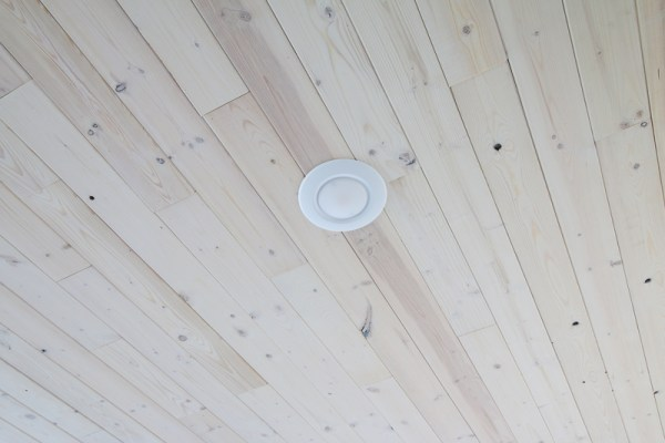 Basement Whitewashed Knotty Pine Plank Wood Ceiling with Recessed Can Lighting