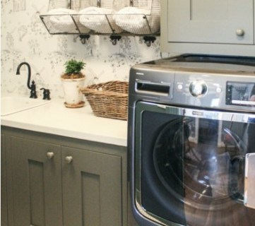 Cute Cottage Laundry Room Idea