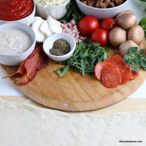 Grilled Pizza Recipe, Remodelaholic (1)