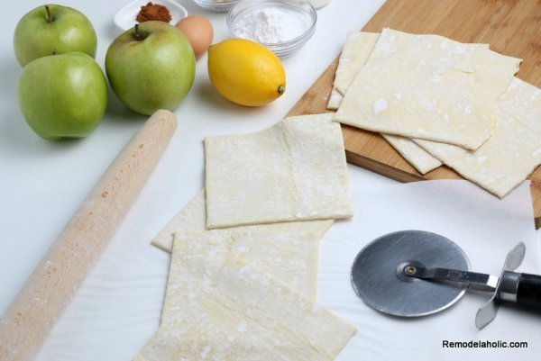 How To Make Apple Turnovers, Mini Hand Pies, Remodelaholic (2)