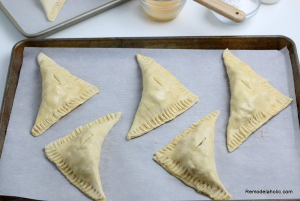 How To Make Apple Turnovers, Mini Hand Pies, Remodelaholic (8)