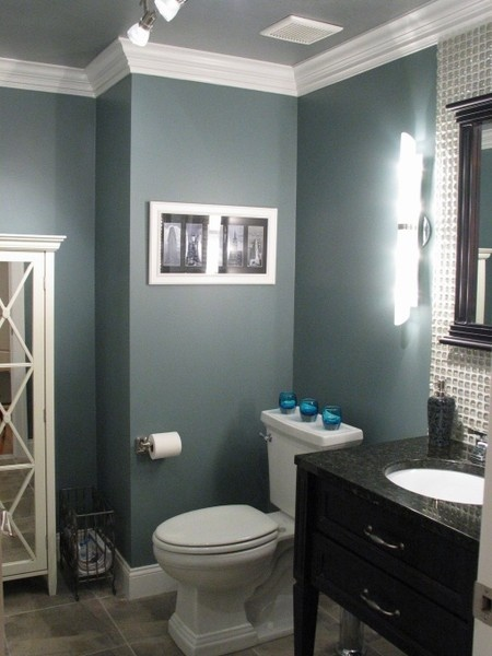 beautiful-small-bathroom-trim-and-crown-moulding