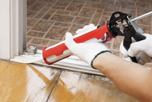 caulking-to-stop-air-leaks