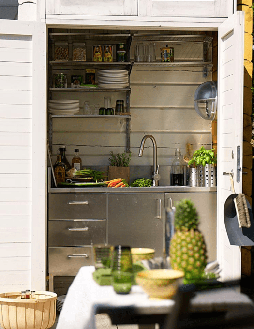 Very small outdoor kitchen