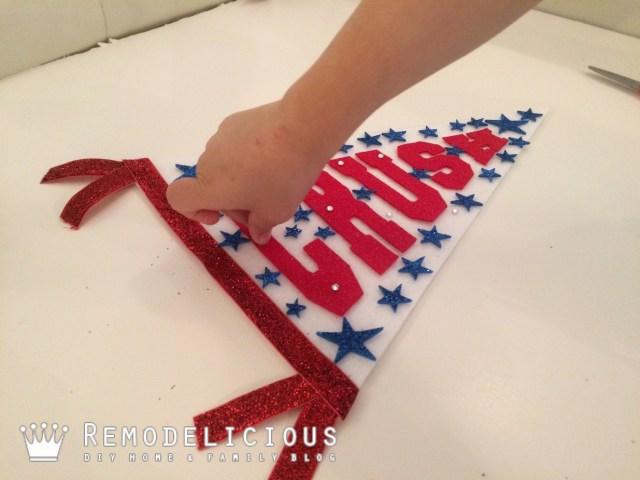 DIY Felt Varsity Flag | Remodelicious.com