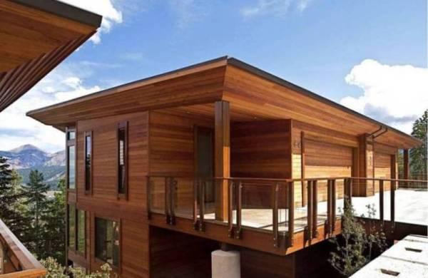 Cedar Wood Siding on a Modern Home