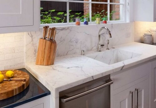 White Quartz Kitchen Sink integrated with the quartz countertops