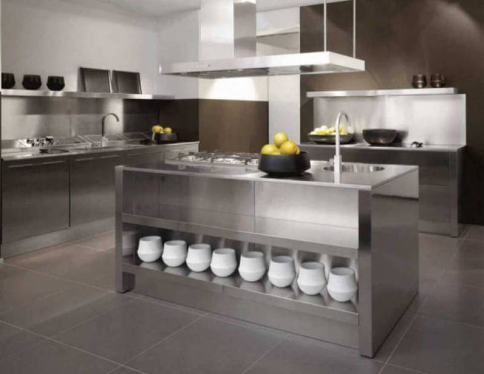 Stainless Steel Countertops in an Ultra Modern Kitchen
