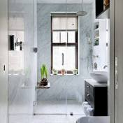 best design for small bathroom