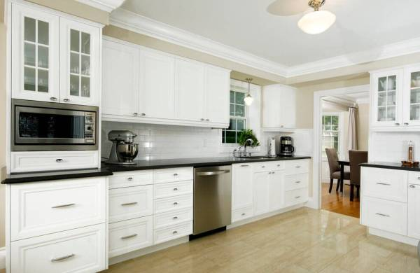 white molding in a modern kitchen