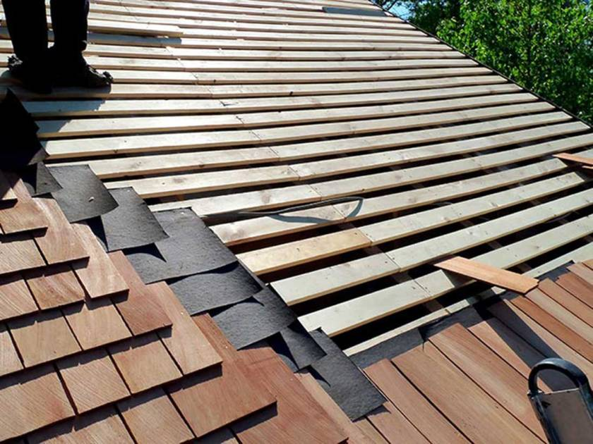 Cedar Shingles Amp Shakes Roofing Costs Plus Pros Amp Cons