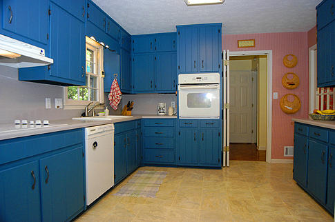 cost to repaint kitchen cabinets how to give your kitchen a new look on a budget 14083