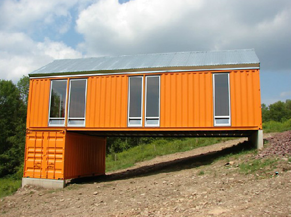 Container house on uneven terrain