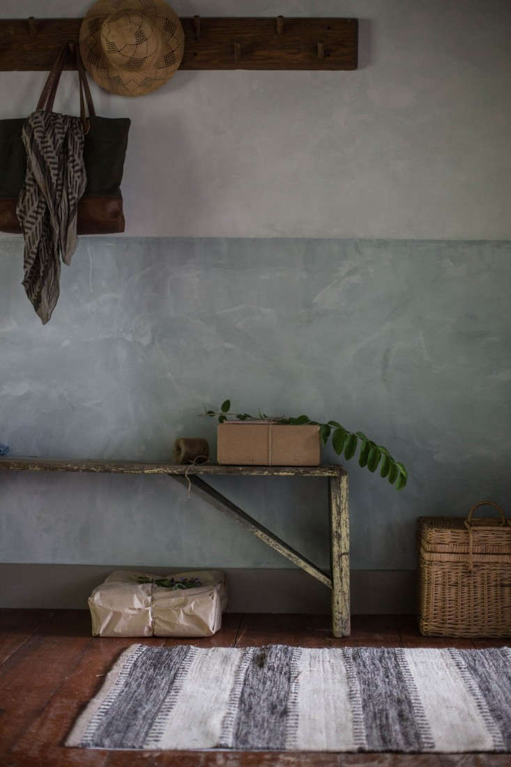 Catskills-Farmhouse-front-room-parlor-by-Jersey-Ice-Cream-Co-Remodelista